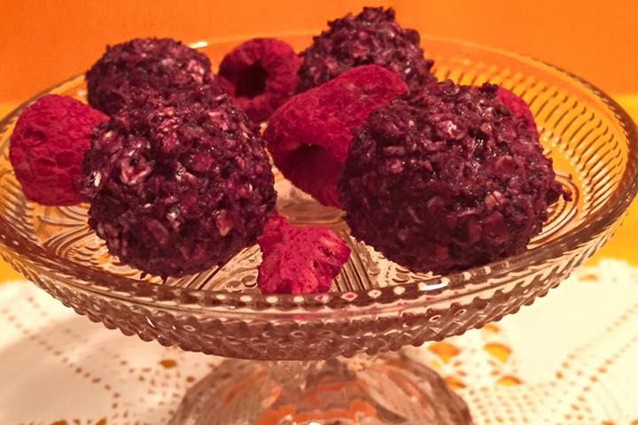 bomboane raw capsuni